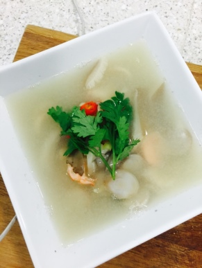 Tom Yam Gung (hot & sour soup with prawns)
