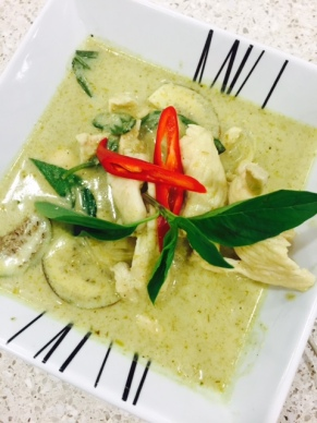 Gaeng Keo Wan (Thai green chicken curry)