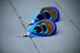 ONE JEWEL FEATHER EARINGS