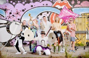 Roberts Bakery Band Bluedot 1