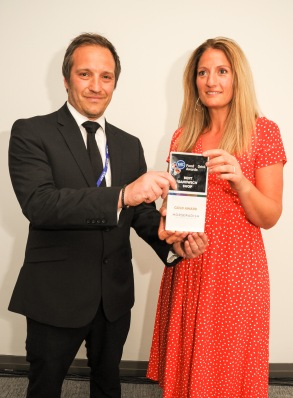 Chester Racecorse, Taste Cheshire Food and Drink Awards 2019. Picture Best Sandwich Shop Gold award to Peak Sandwich Damien Orpel of Horseradish to presents the award to Kate Tawil. SW2342019